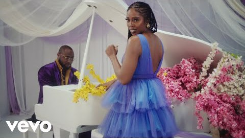 Golibetv Tunde Ednut Jingle Bell Ft Davido Tiwa Savage Seun Kuti Tunde ednut is known for posting amazing engaging content from funny clips, information to music videos and entertaining stuff on his instagram page where he commands over 1.7m followers. golibe tv